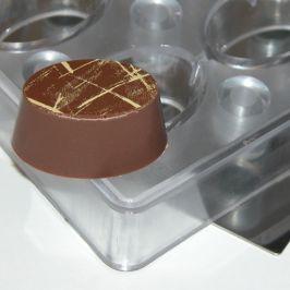 magnet form oval
